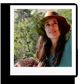 polaroid-anna_kosmanovski-professional_writer