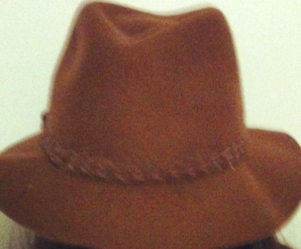 anna kosmanovski hat pop shop style