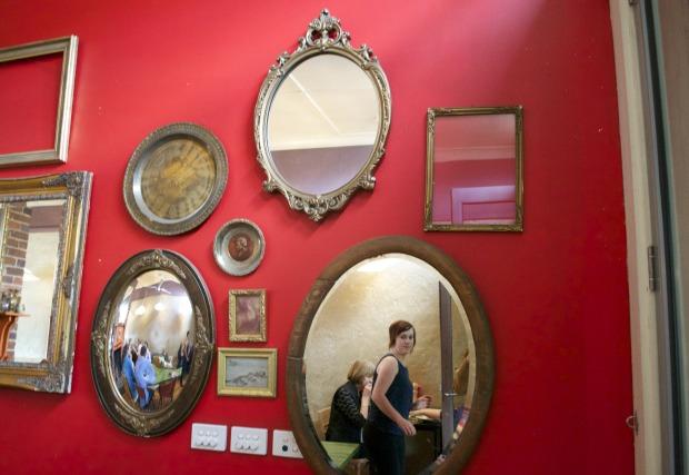 Cafe Go Mirrors, Anna Kosmanovski