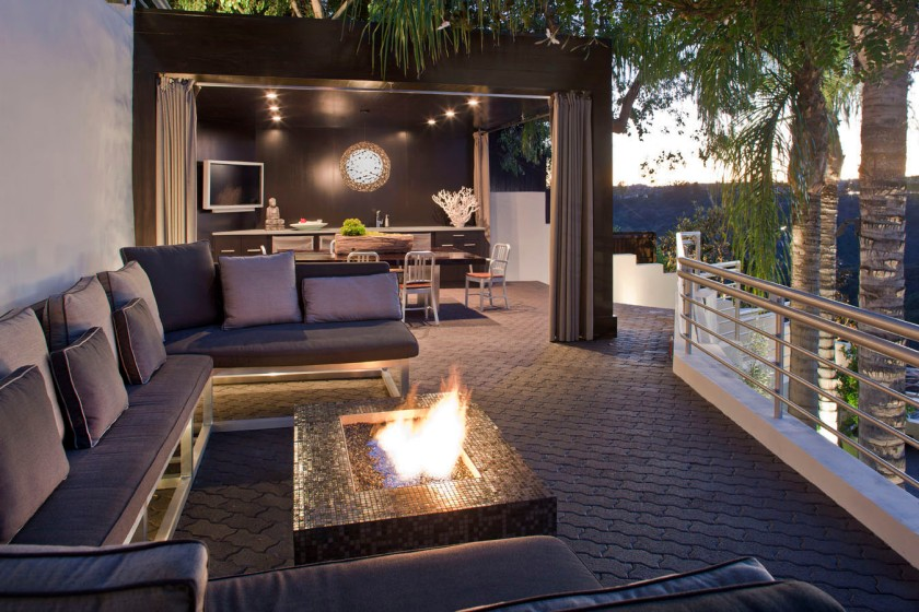 Mullholland Drive House, Kari Whitman FIREPIT outdoor area